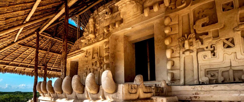 EK BALAM - templo del jaguar negro