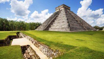 Mayan-Pyramids-of-Chichen-Itza-HD-Photo-7