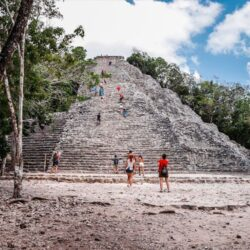 coba- excursion-Riviera Maya-piramide